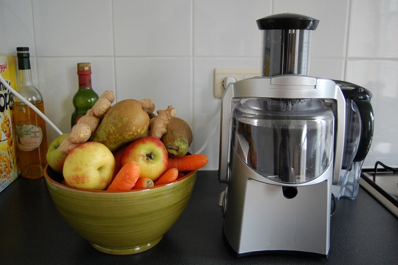 Essential Aspects to Be Taken into Account While Selecting A Commercial Juicer