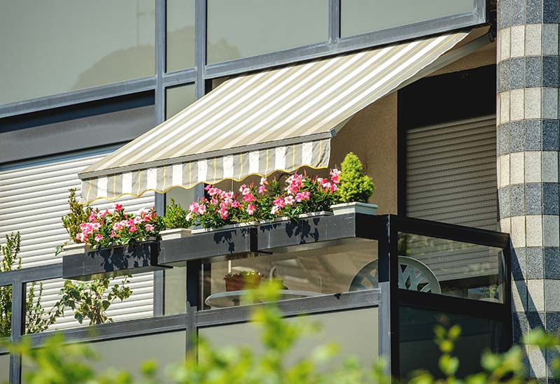 Know When You Need an Electric Awnings & Retractable Awnings