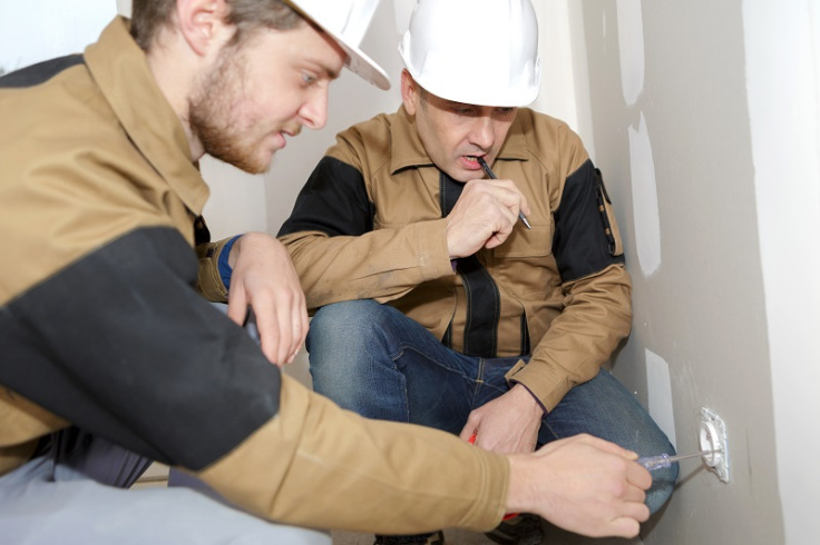 Tips for Getting A Repairing Service from A Local Electrician
