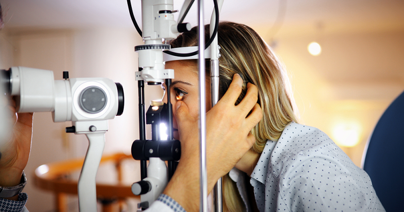Why Is It Essential To Get A Regular Eye Test From A Specialist?