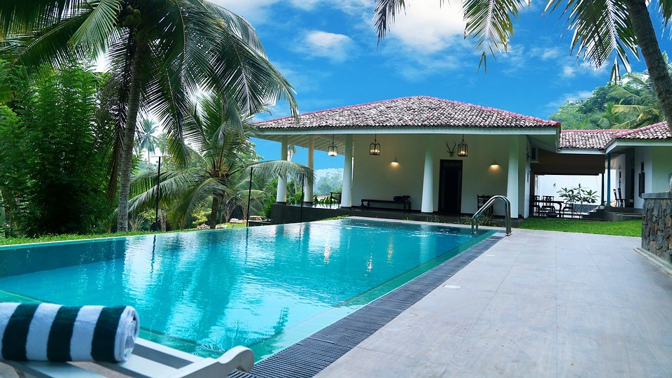 Types of Swimming Pool Designs for Homes
