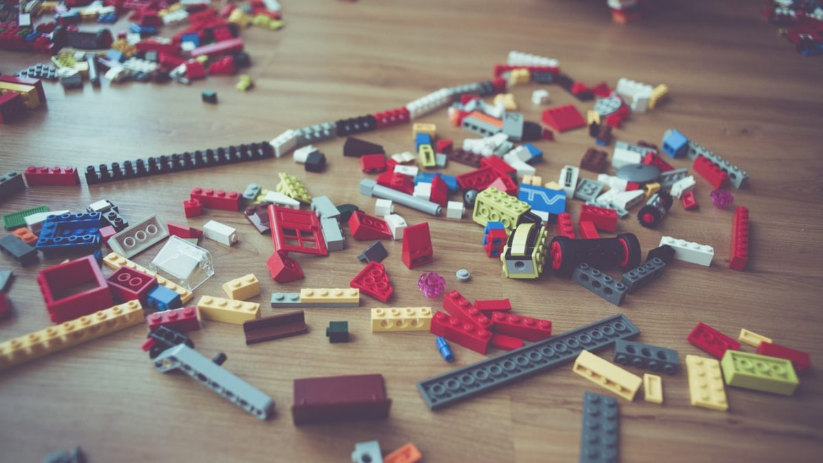 How Growing Kids Love Playing With Toys