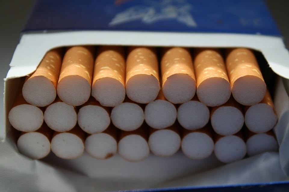 Make you cigar a vintage item by using custom cigar boxes.