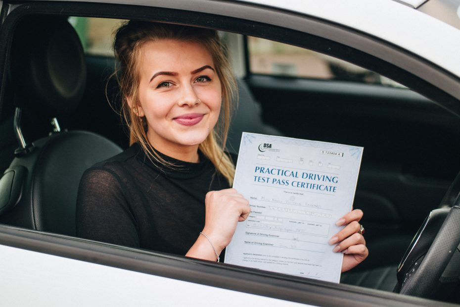 Driving Lessons East Ham – Different Courses Options You Get