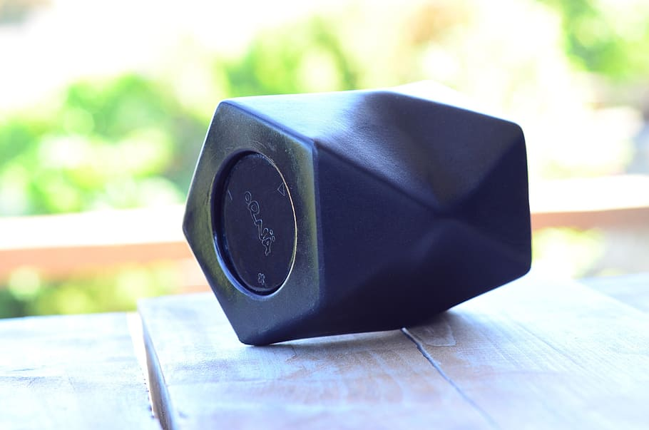 Bluetooth Portable Speakers With Built-In Microphone