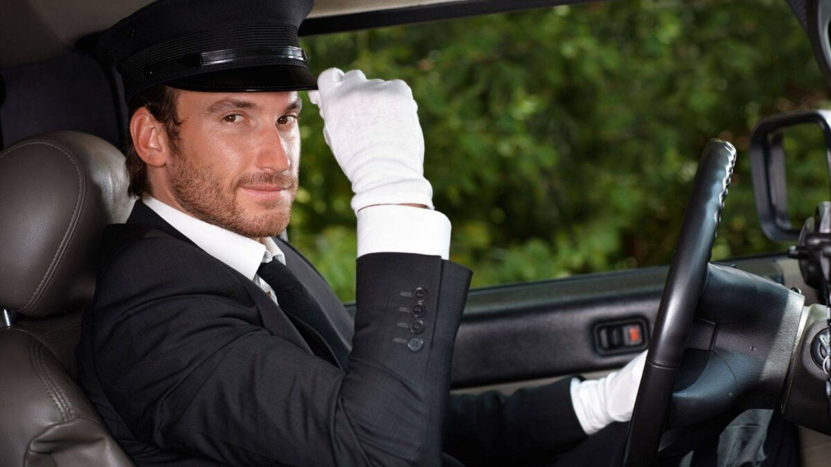 Benefits of Hiring a Chauffeur Service in London