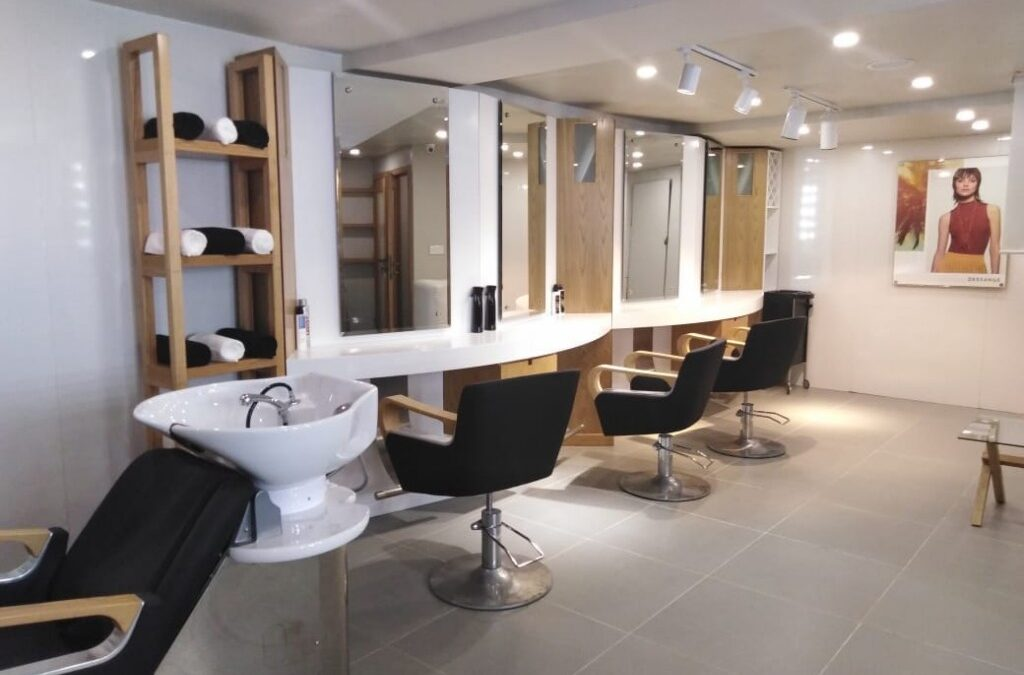 Beauty parlors in Lahore are making a gigantic profit here is how?