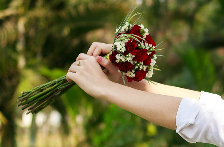 How to Select the Perfect Flowers to Impress Your Girl
