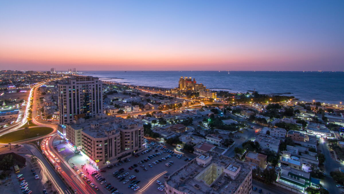 Why Expatriates Choose Sharjah and Ajman For A Comfort Living?