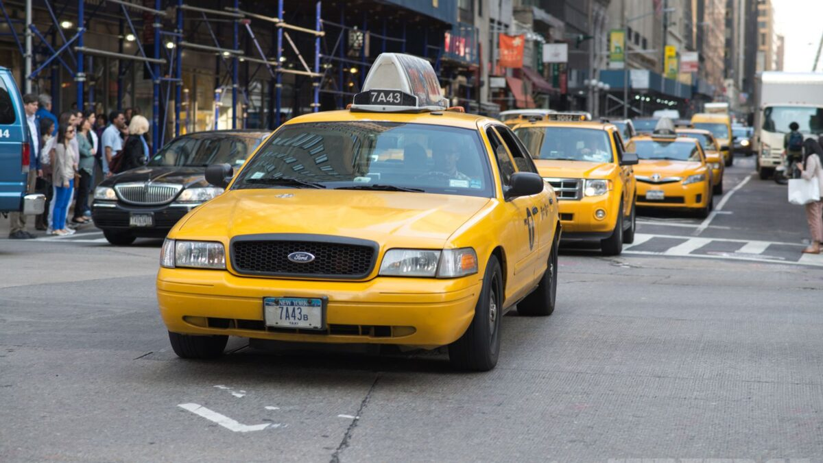 TIPS AND ADVICE TO FIND CHEAP AND SAFE TAXI