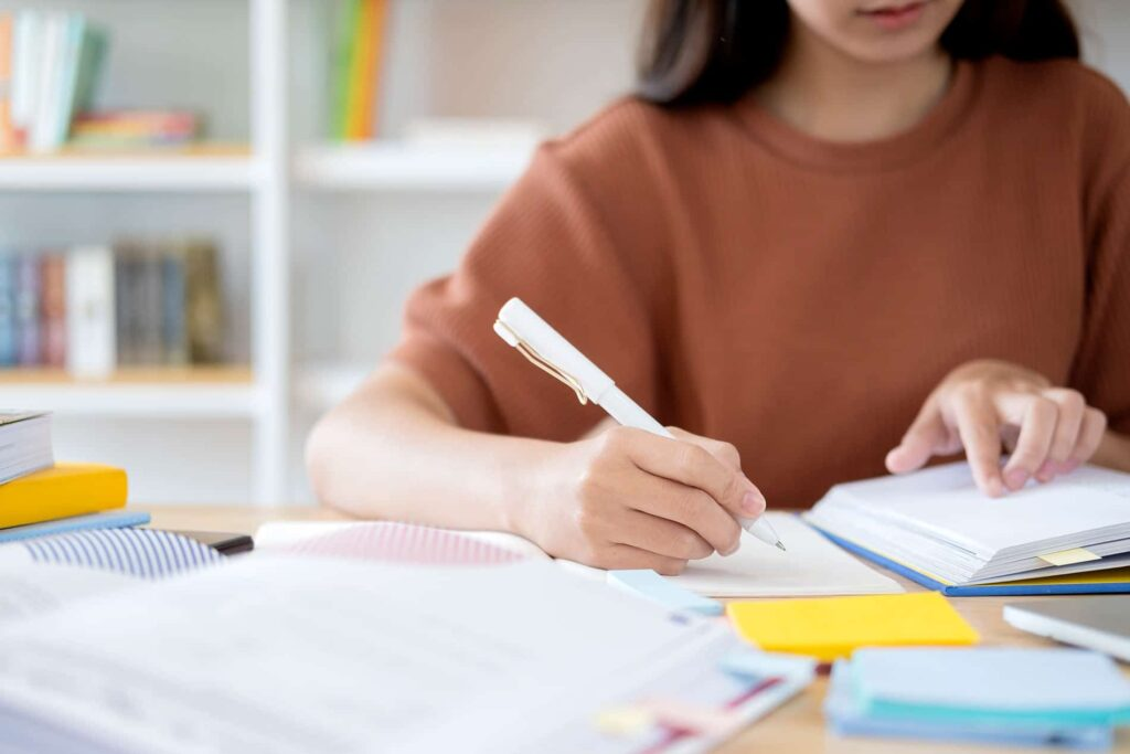 Best Way to Write Your College Assignment for UAE