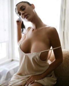 poojaescorts.com/escort-service-in-karol-bagh