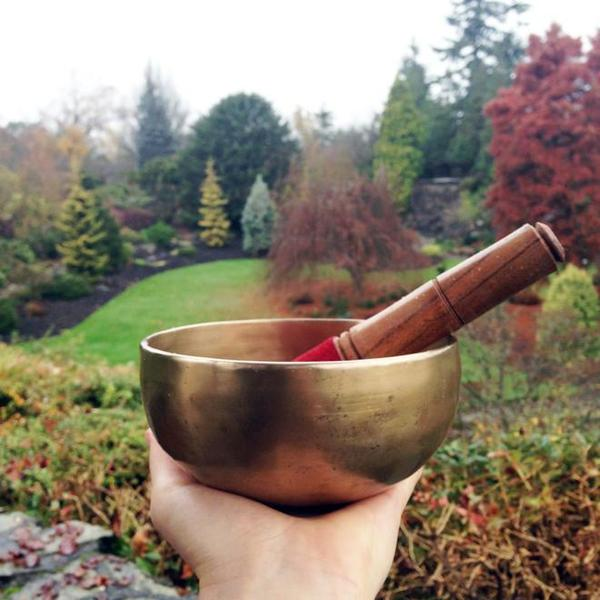 How to use tibetan singing bowl for meditation